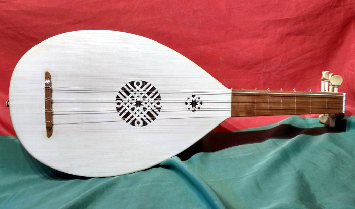 Medieval Lute - Instrument by Jo Dusepo